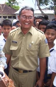 SMP4 Kuta Selatan - Wayan Tur Adnyana - 2009