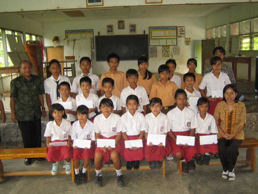 Sponsored students SD2 Pegadungan
