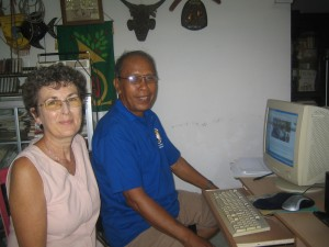 Sue and Alit at Wiki workshop June 2012