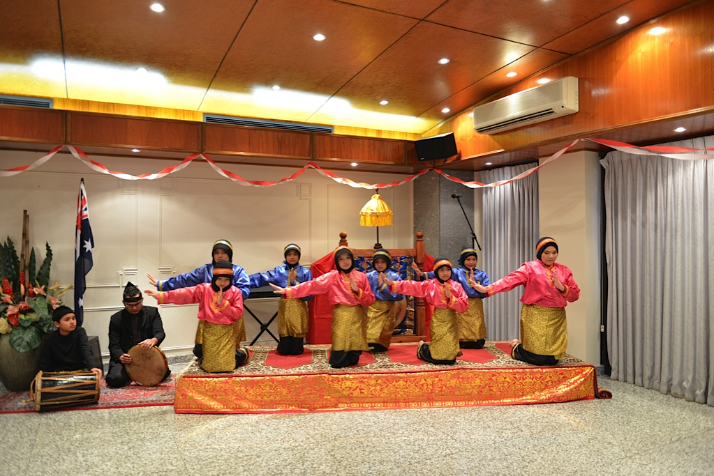 Dance from Aceh Indo Consulate Aug 2013